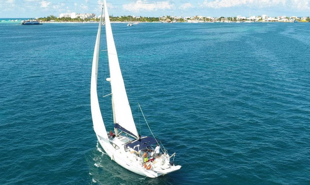 sailboat Jeaneau