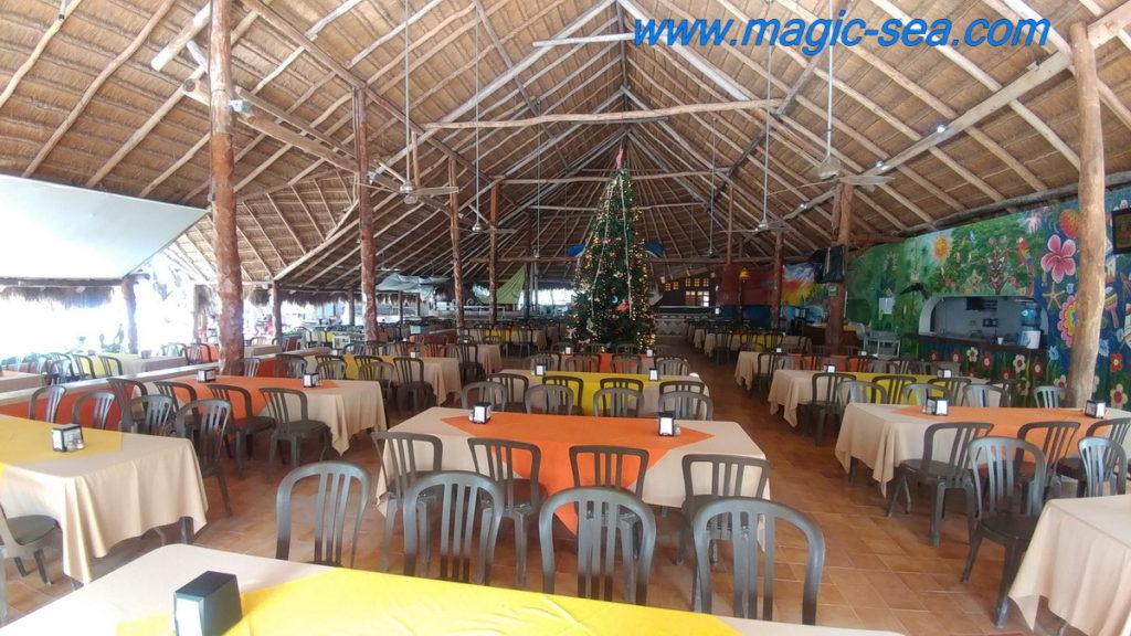 restaurant at Beach Club Isla Mujeres