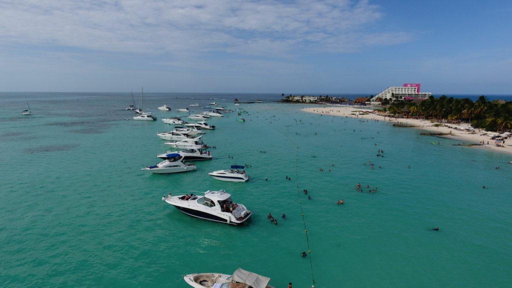 Isla Mujeres Playa Norte yachts