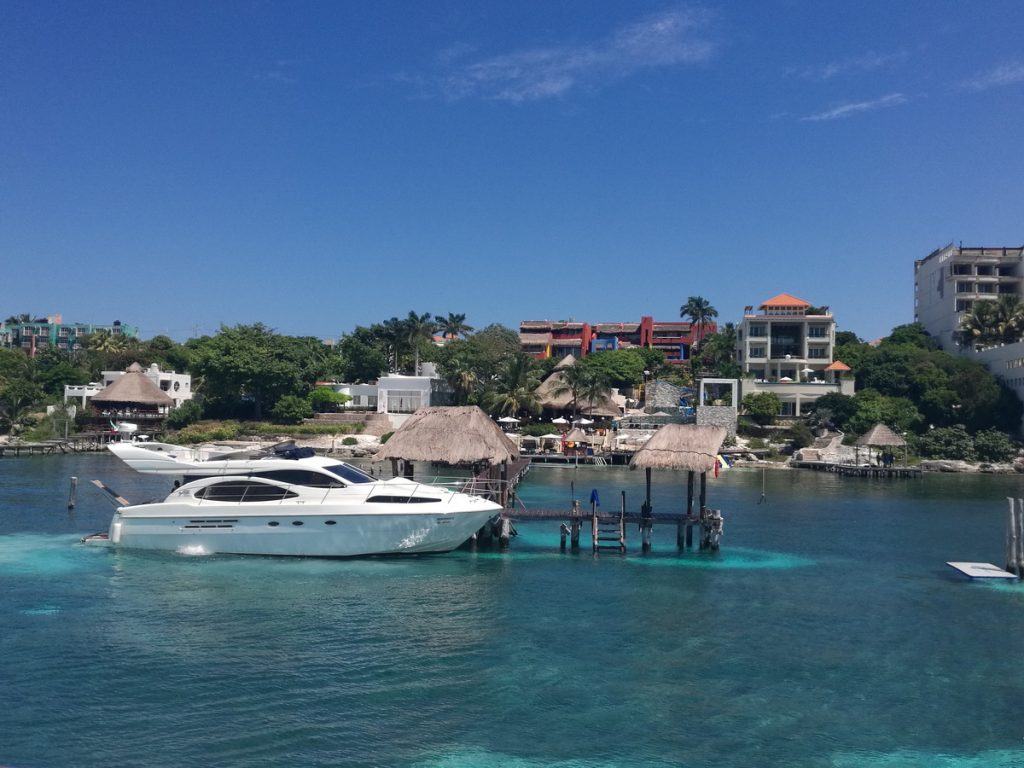 yacht club Isla Mujeres
